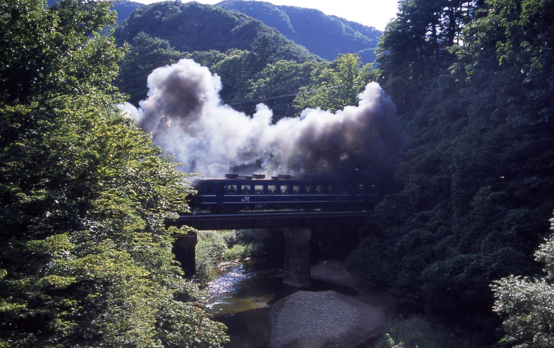 Kitakamiline_20020914_komatsugawa